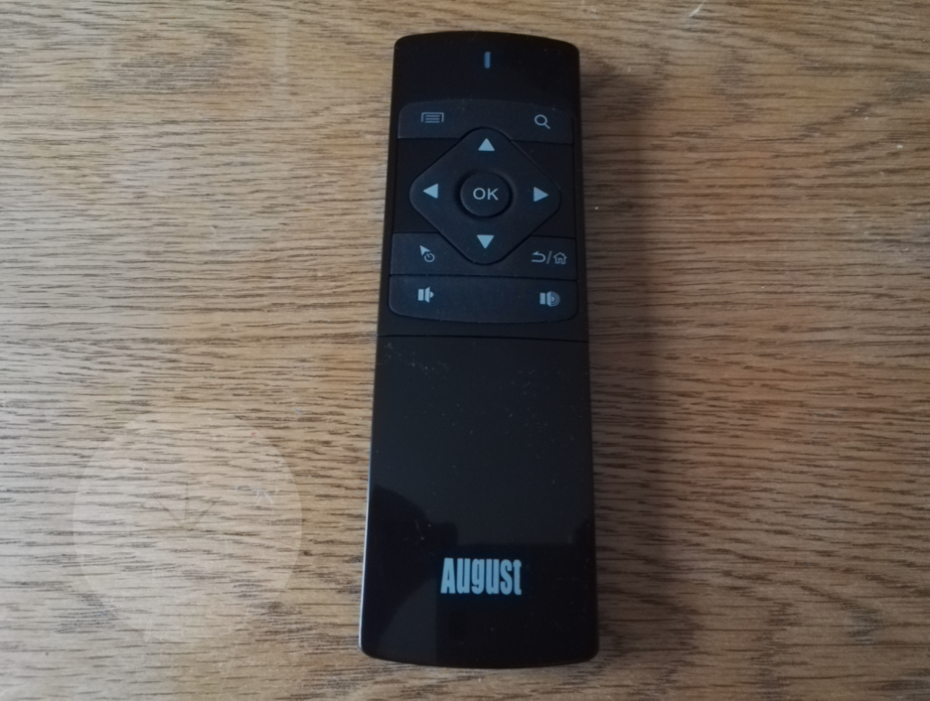 Review: August PCR500 Smart Remote Control full front