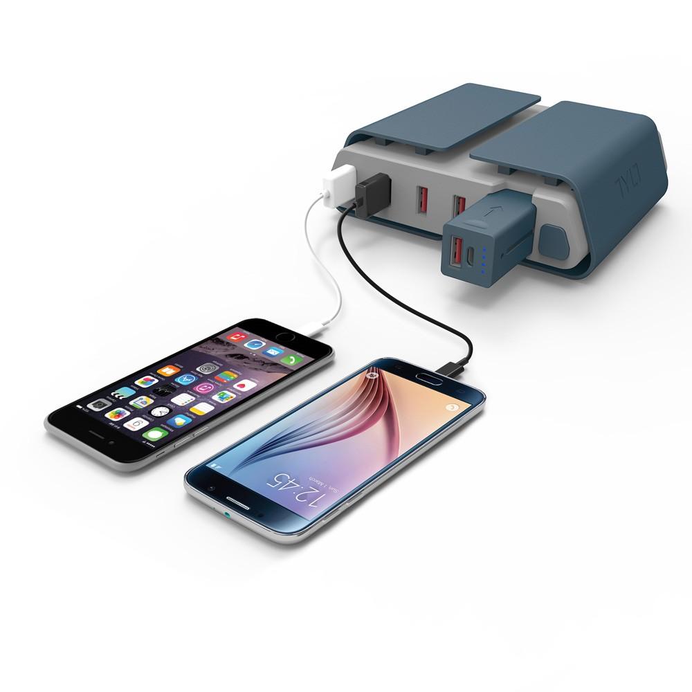 energi-charging-station-phones