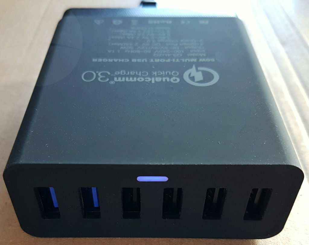 Choetech Q3-4U2Q - Ports
