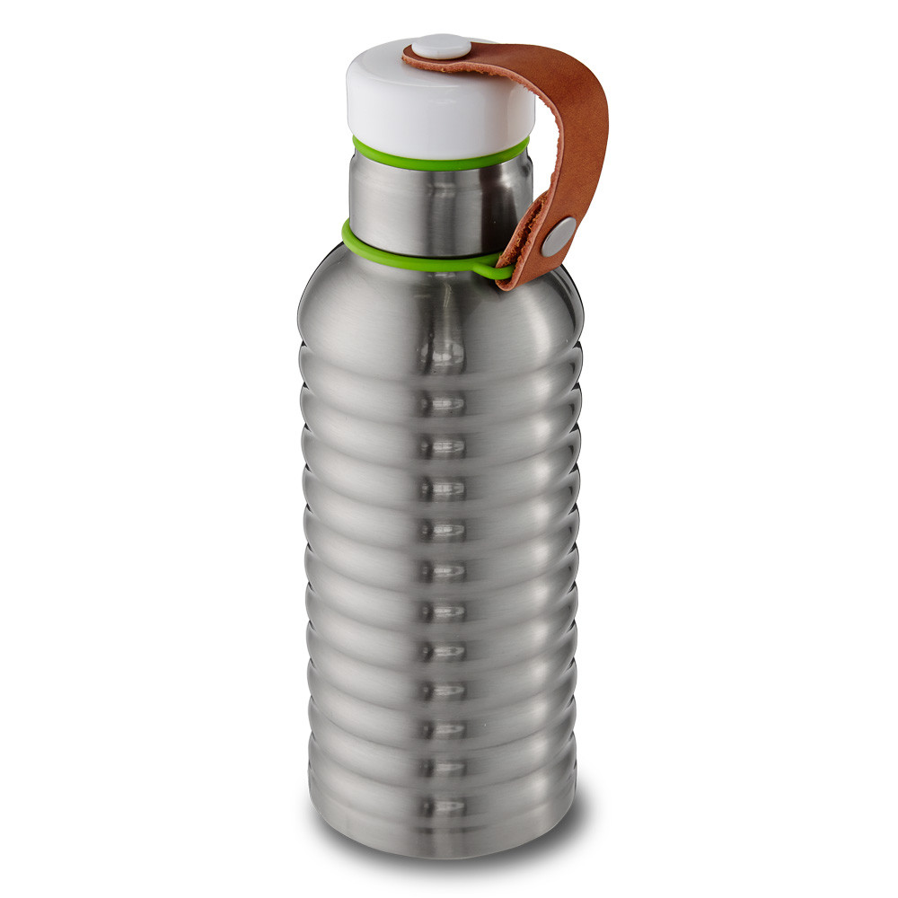 box-appetit-vacuum-bottle-angle-view-low-res-by-black-blum