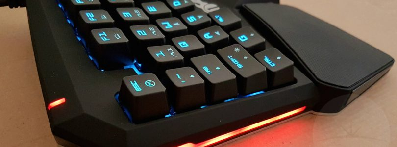 1byone Keypad - Side