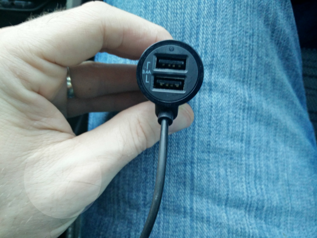 Promate Charger USB connections