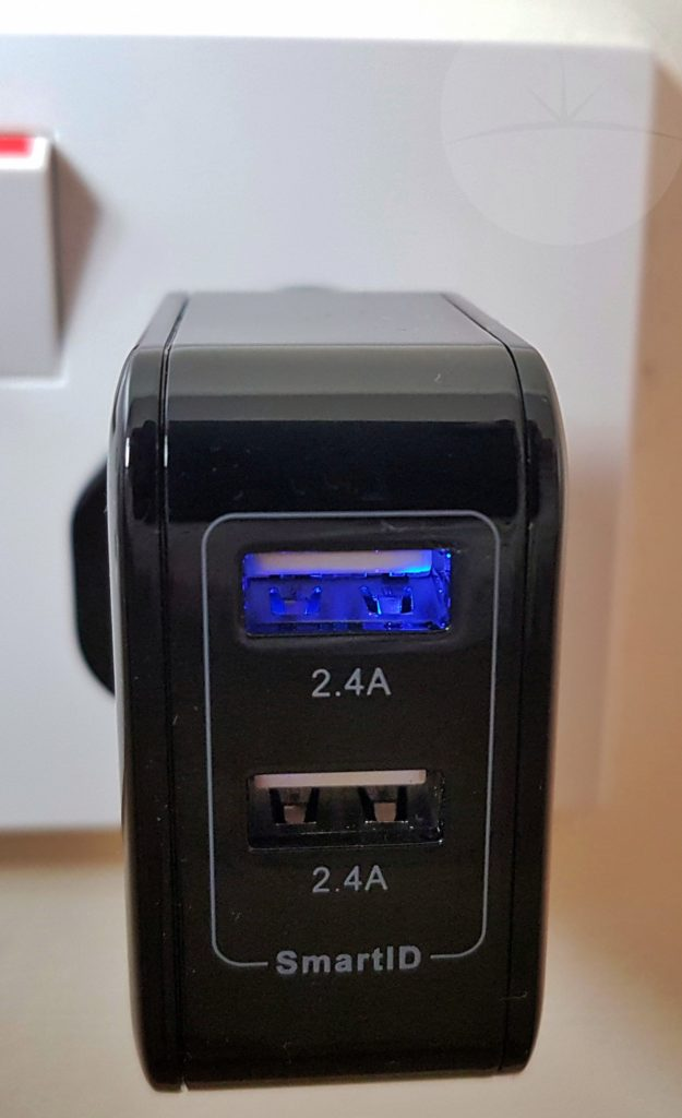 iClever UK Dual Port Charger - In Use