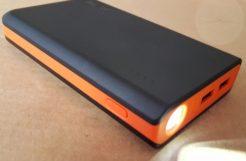 EasyAcc 13000mAh - Flashlight