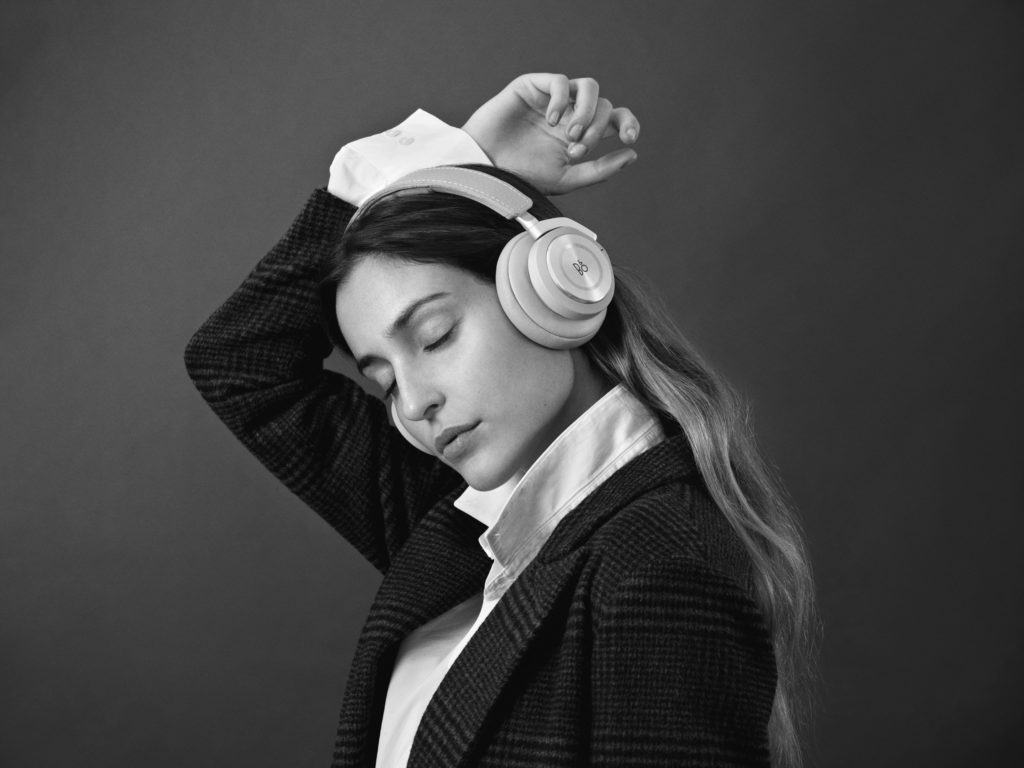 model Beoplay H8i