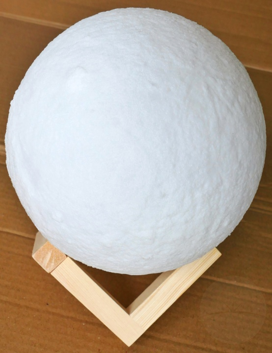 AGM Moon Lamp
