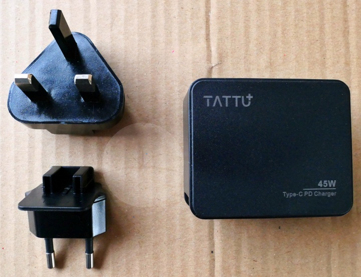 Tattu USB-C Charger - Contents