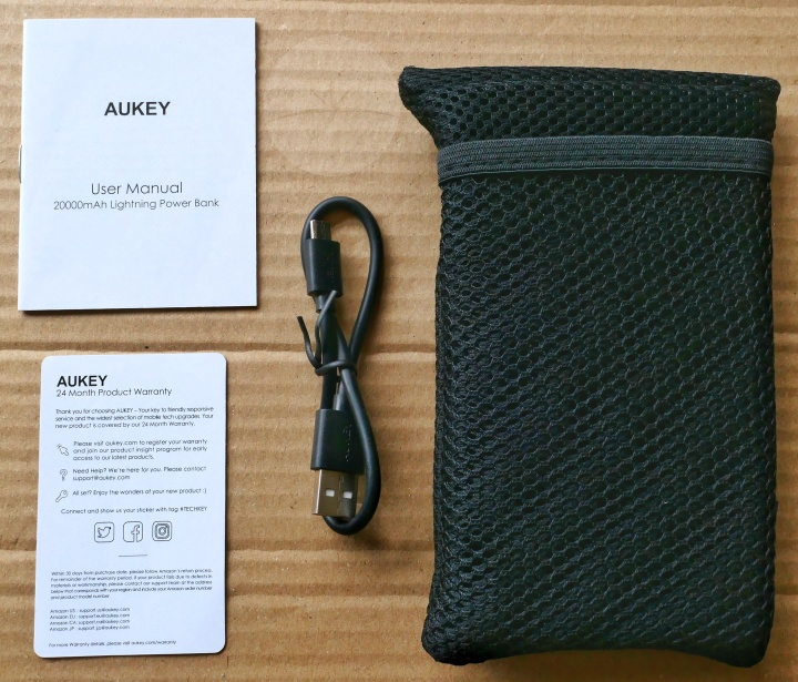 Aukey PB-N36 - Contents