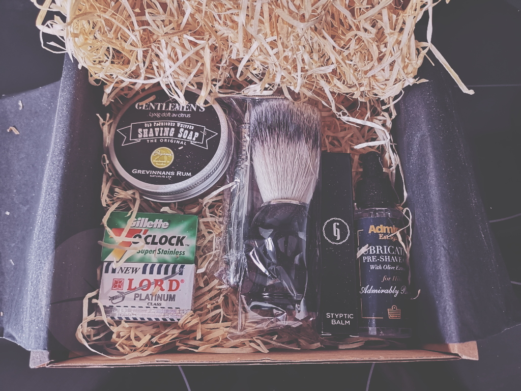 box In this review we're going to take a look at a subscription service from a company called The Personal Barber.