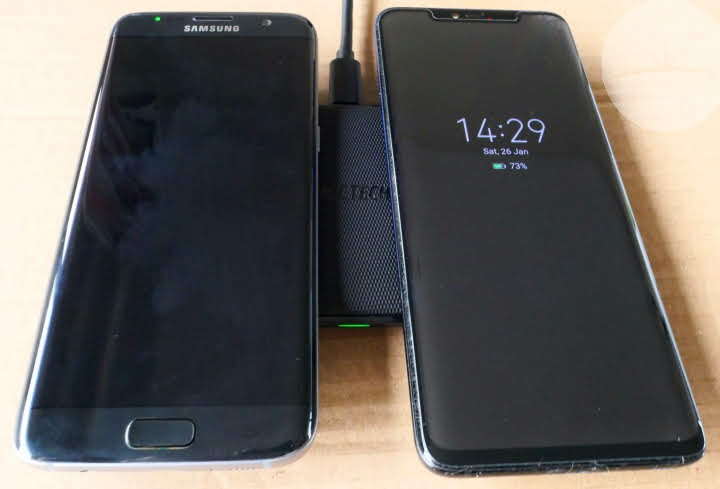 Choetech's T535-S - Two Phones