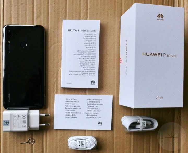 Huawei P Smart 2019 - Box & Contents