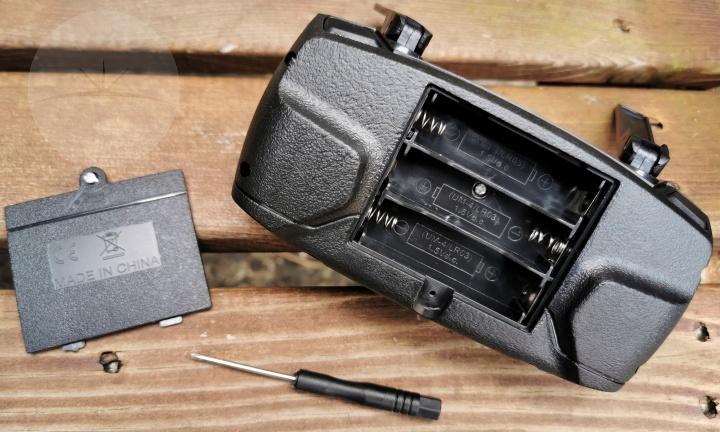 Eachine E58 - Controller Battery Compartment