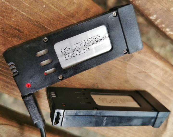 Eachine E58 - Batteries