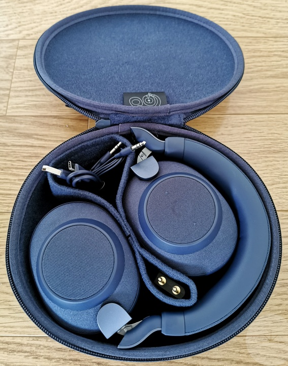 Jabra Elite 85h - Inside Case