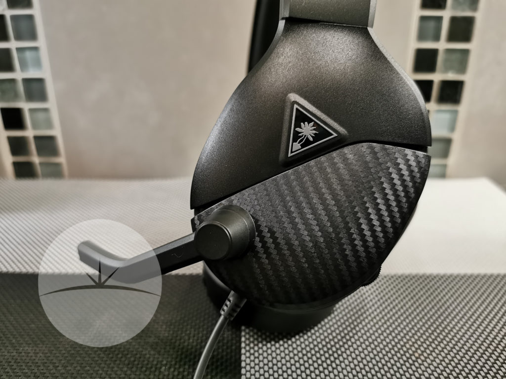 side view turtle beach atlas one
