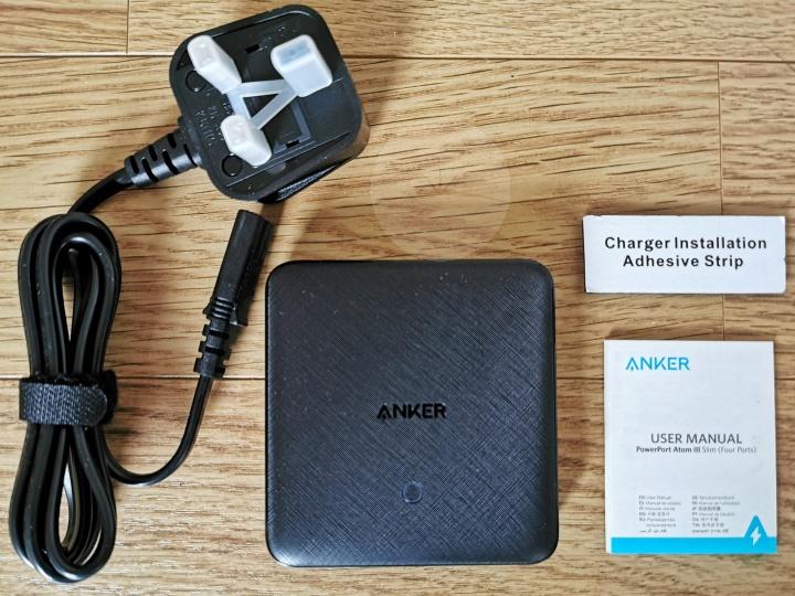 Anker PowerPort Atom III Slim - Contents
