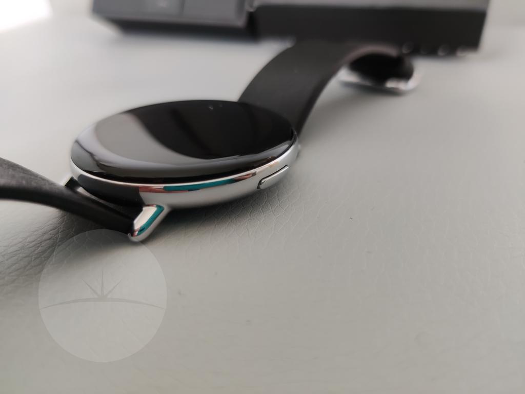 button Smartwatch Review - Zepp E